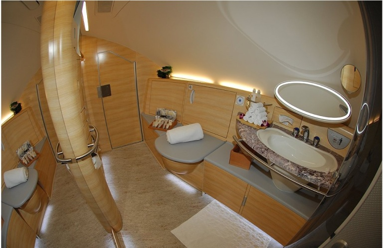Airbus a380 bathroom
